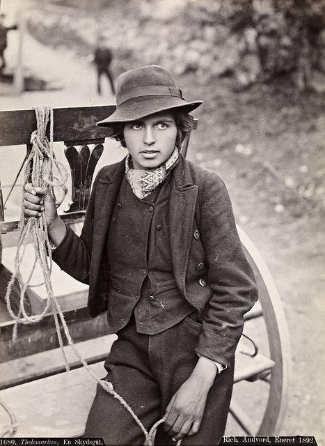 Boy from Telemark in Southern Norway, 1880-1890.Gutt fra Telemark i Sør-Norge. Legg merke til skjerfet | Flickr - Photo Sharing!