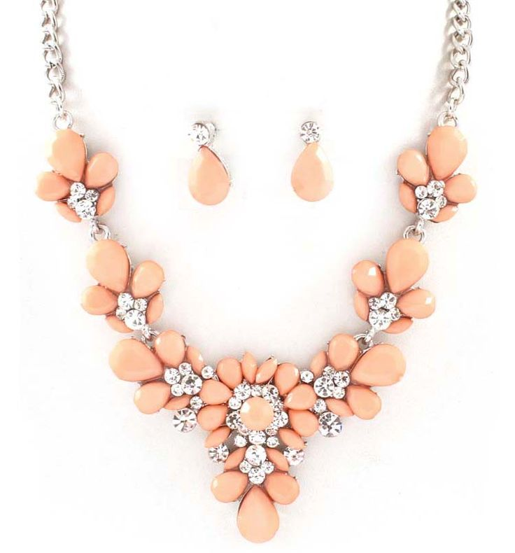Dianna Necklace in Soft Nectar