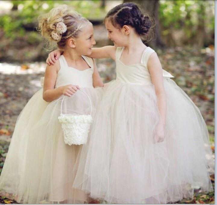 White flower girl dresses. Ideal for any wedding