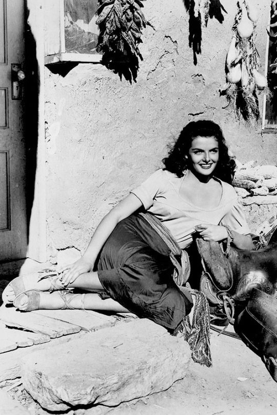 Jane Russell on the set of The Outlaw, 1943