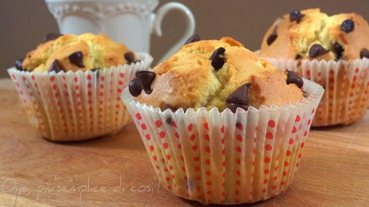 Muffin con gocce di cioccolato, ricetta. http://blog.giallozafferano.it/oya/muffin-con-gocce-di-cioccolato-ricetta/