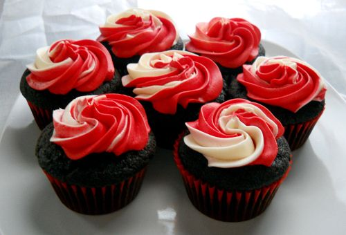 Cheerleading Cupcakes   Dark Chocolate Cupcakes with Buttercream Frosting   Gina Marie's ...