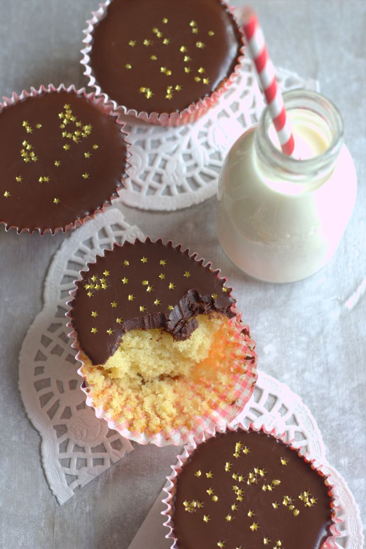 A few years ago before I baked as regularly as I do now I developed quite an addiction to a box of cupcakes from the supermarket. They weren't anything special, a light vanilla sponge with a layer ...