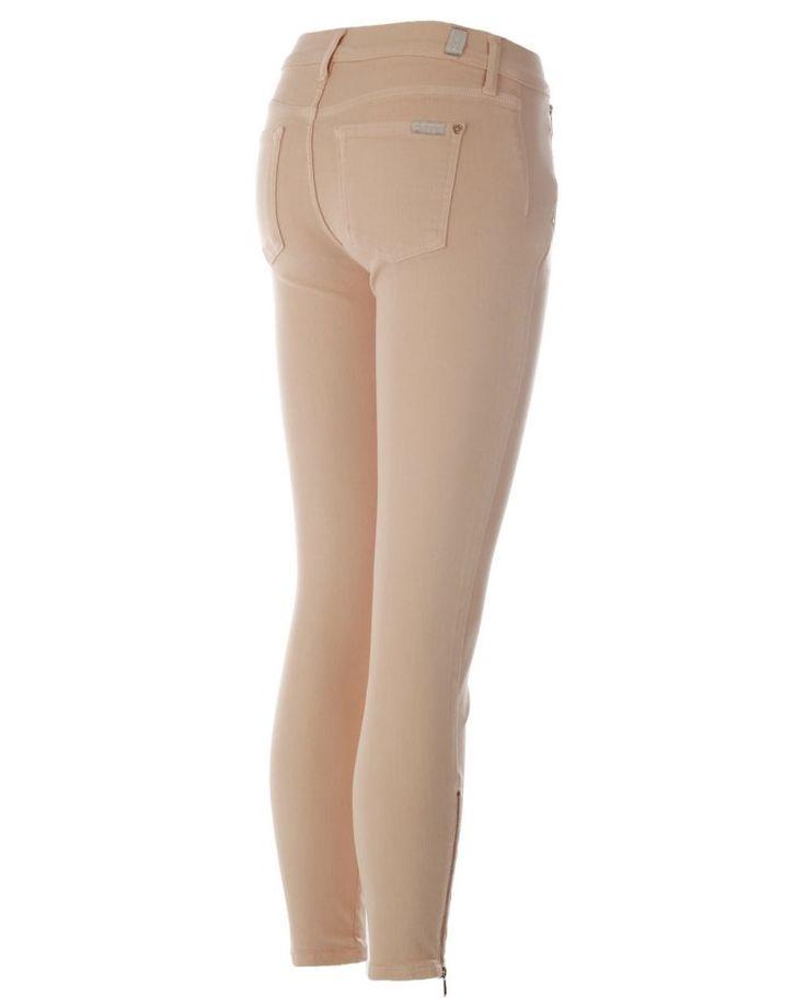 7 For All Mankind broek zalm  Description: Skinny broek van het merk 7 for all mankind in de kleur zalm.  Price: 140.00  Meer informatie