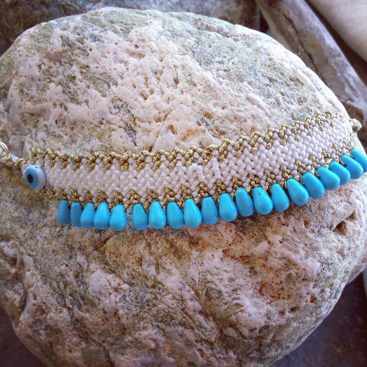 Macrame bracelet with semi precious stones