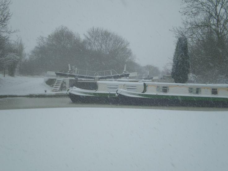 Calcutt top lock & hire boats in the snow www.calcuttboats.com