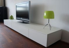 Te damos tips y consejos para limpiar todas las pantallas del hogar de forma correcta.