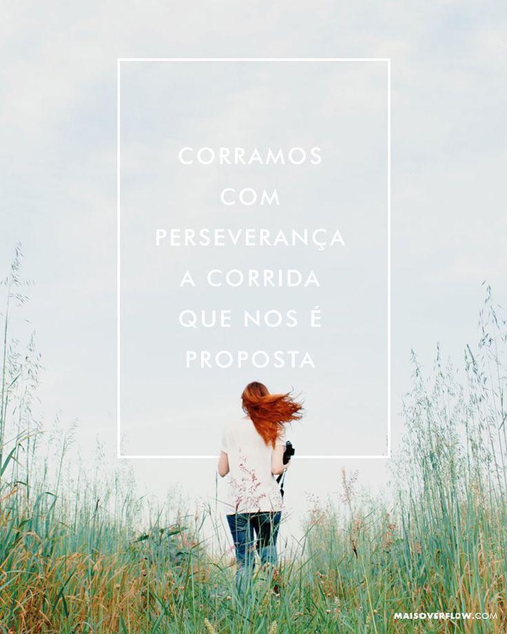 Portanto também nós uma vez que estamos rodeados por tão grande nuvem de testemunhas livremo-nos de tudo o que nos atrapalha e do pecado que nos envolve e corramos com perseverança a corrida que nos é proposta tendo os olhos fitos em Jesus autor e consumador da nossa fé. Ele pela alegria que lhe fora proposta suportou a cruz desprezando a vergonha e assentou-se à direita do trono de Deus.  Hebreus 12:1-2 NVI #30daysofbiblelettering () maisoverflow.com  X