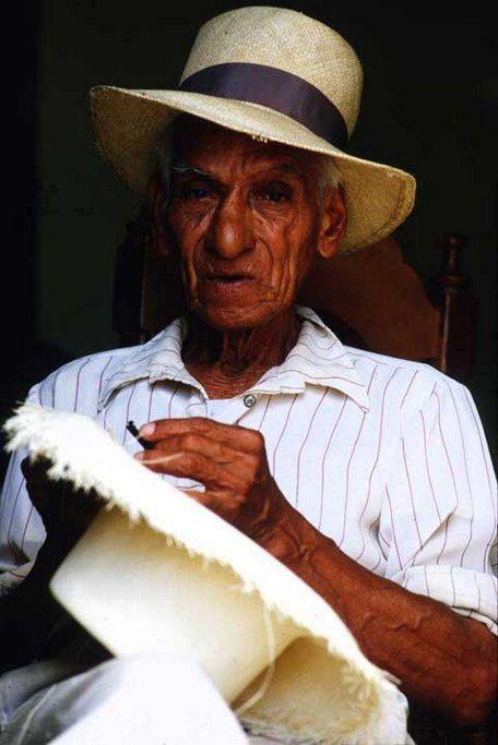 Wide brimmed straw fedora hat for old men