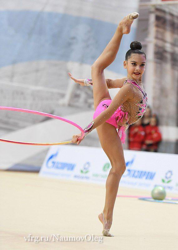 Lala Kramarenko (Russia), junior, hoop 2016