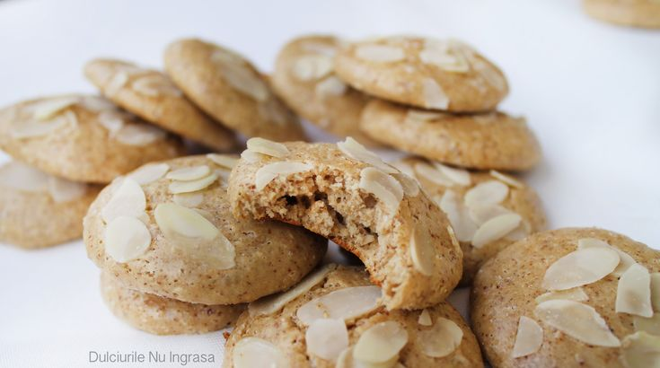 Vanilla Almond High-Protein Cookies (sugar free, gluten free, 100% healthy)