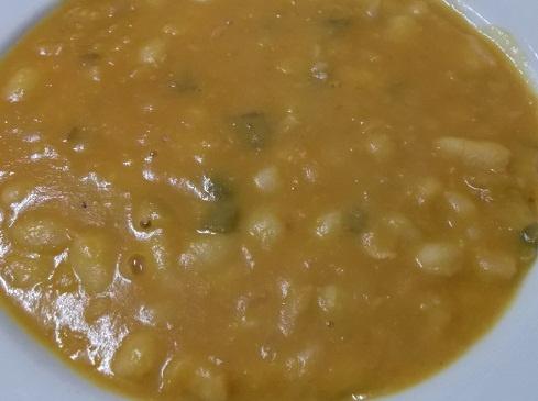 A practicar con esta receta de alubias blancas con fritada. Os animo a todoso, que es muy fácil, todo es ponerse. http://casakatybilbao.blogspot.com.es/2013/02/receta-de-alubias-blancas-con-fritada-y.html