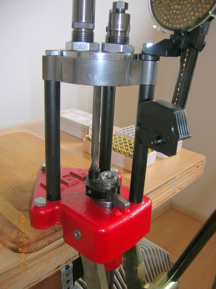 This is my Lee Turret Press that is ready for reloading 9mm Luger cases. The actual reloading operation begins at the next step.
