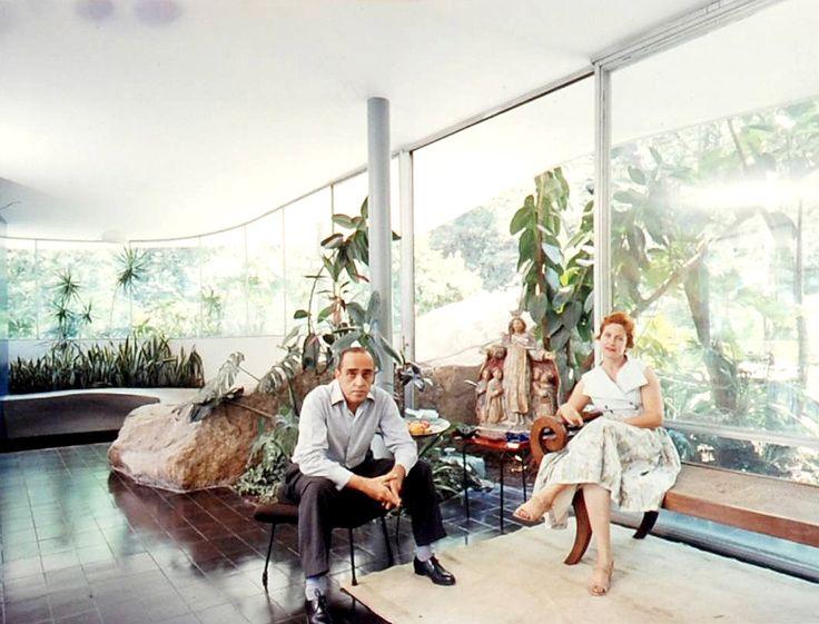 Oscar Niemeyer y Annita Baldo en Casa Das Canoas