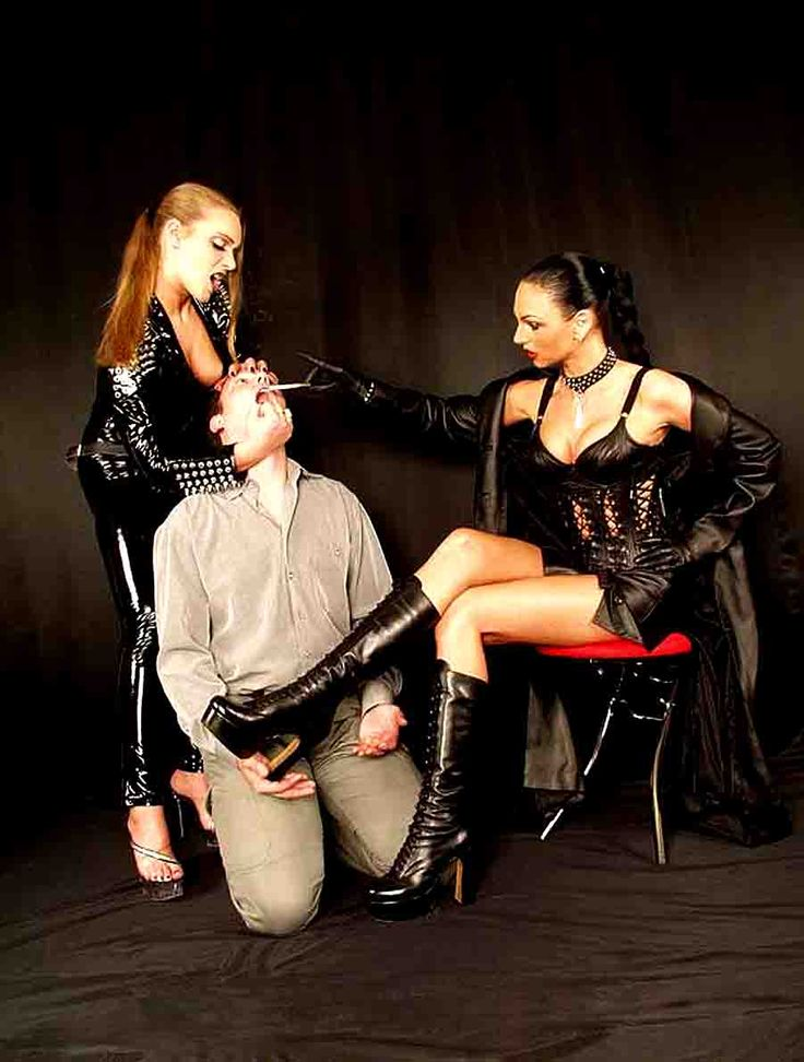 Bdsm smoking dominatrix