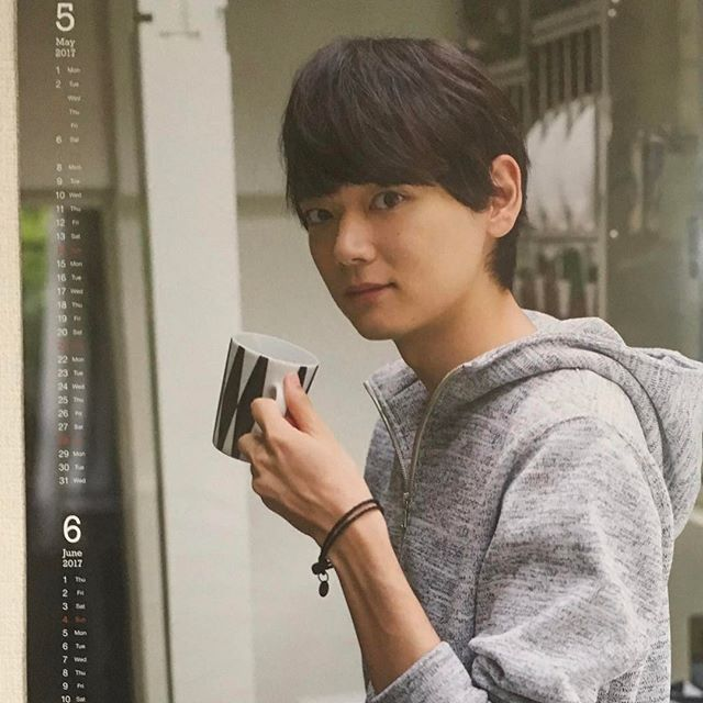 5.6月のカレンダーのふるぽん! ラフな感じ好き #古川雄輝