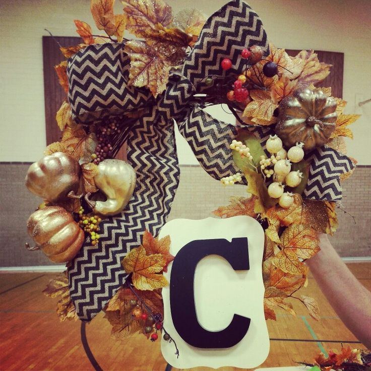 Fall wreath! #chevron #golden #squash #bronze #pumpkins #sparkly #Fall #wreath #Calderoni