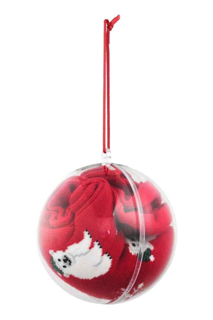 Skarpety w świątecznej bombce, H&M 19,90 zł