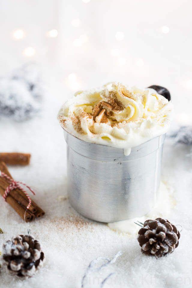 Witte chocolademelk met specerijen | simoneskitchen.nl