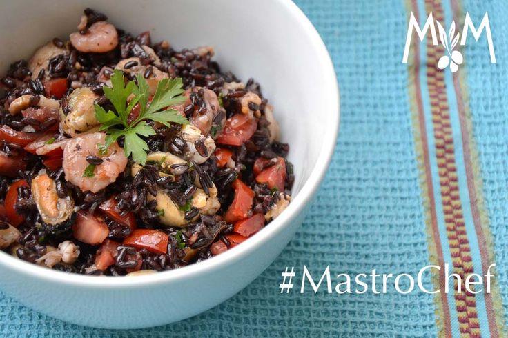 Il #piatto dell'#estate? L'#insalata di #riso! Semplice e versatile, puoi prepararla con i tuoi #ingredienti preferiti. Mai provata con riso #venere e #gamberetti? L'#olio giusto, per esaltare ogni #sapore e... siamo già al #mare!