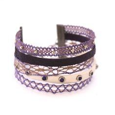 Bracelet manchette en dentelle coloris mauve violet