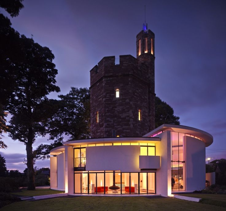 10 Industrial Water Towers Converted Into Awesome, Modern Homes
