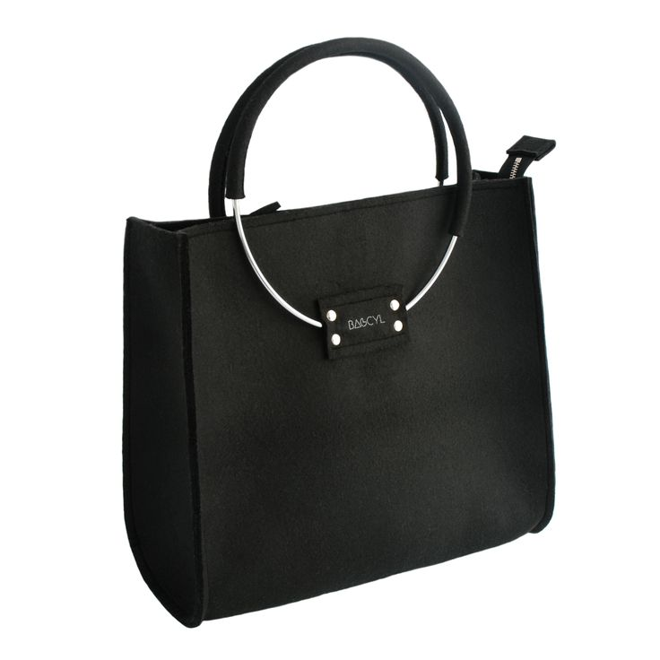 Black handbag. www.bagcy.com