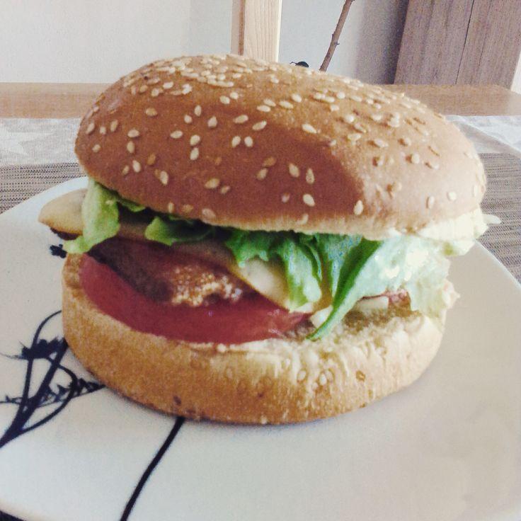 Vege burger s marinovaným tofu