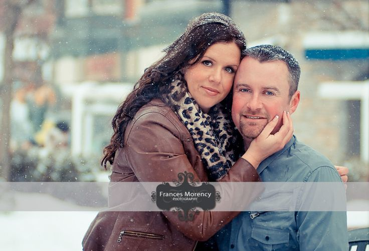 winter engagement photographer in blue mountain village