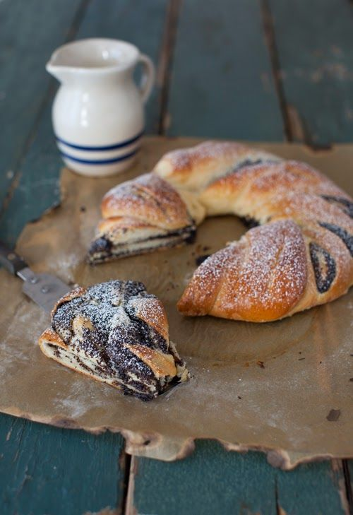 Honey Poppy Seed Roll - Bread at Cooking Melangery  From ancient time collection of honey and poppy in Russia began on the same day - August 14, the day of the First Savior, first day of the harvest season.