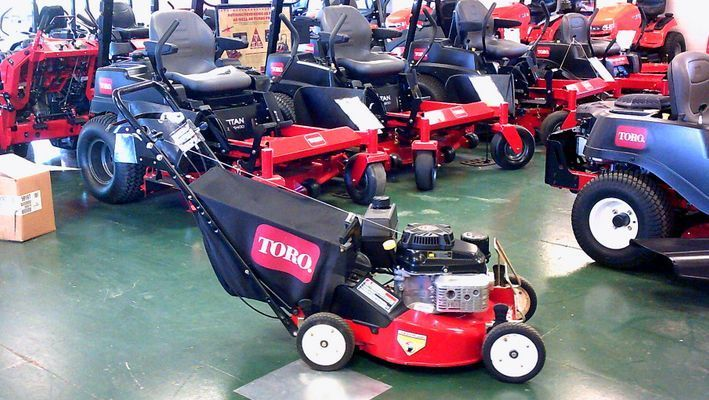 22187 Toro Commercial Mower with extras (Pristows - Johnstown) #ToroCommercialMower
