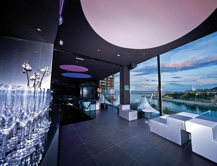Descubre los restaurantes que tienes que tener en tu agenda. El de la foto es el Sunset Club en Palma de Mallorca.