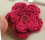 Tuto : fleur au crochet (via Hallyssone)