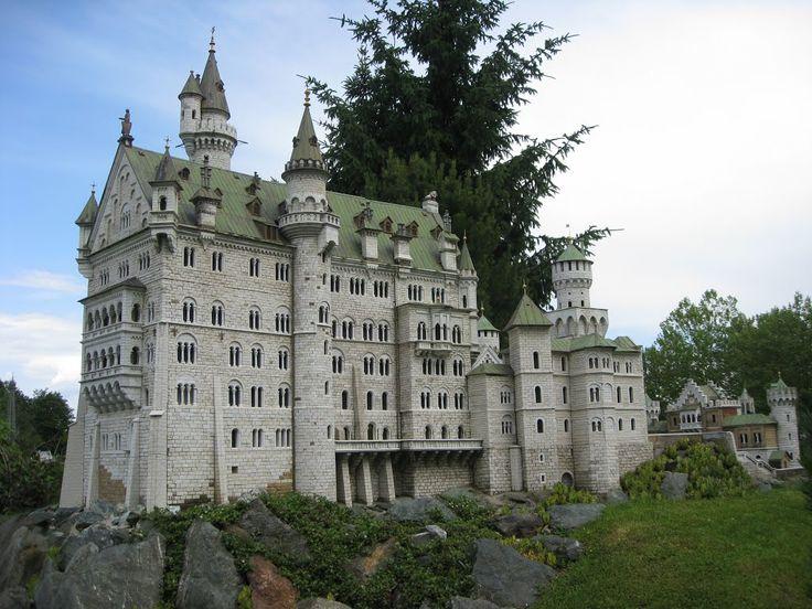 Klagenfurt (Austria) - Minimundus : Neuschwanstein Castle (Germany) / Клагенфурт (Австрія) - Мінімундус : Замок Нойшванштайн (Німеччина)