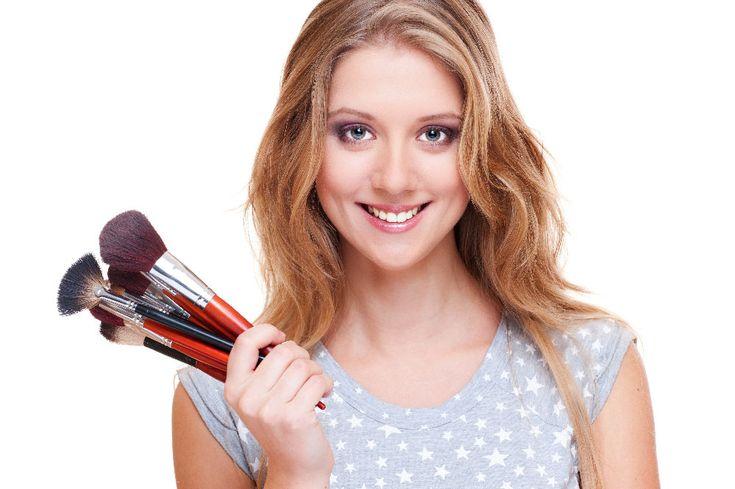 Лучший визажист - это Вы сами! И лучший инструмент для этого - профессиональный корректор Mac2016. Не упустите скидочное лето! #красота #счастье #лето #улыбка #mac2016