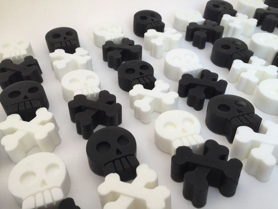 Pirate Party Favor: Skull & Crossbone Pirate Soap, Pirate Favor, Pirate Goody Bags, Pirate Party, Halloween Favor