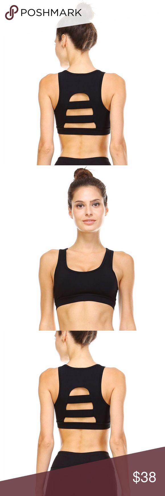 HORIZONTAL STRAP SPORT CROP This sporty crop top is a must-have in your active lifestyle. It features a flattering cut and an open back with three horizontal straps. Pads are removable. Moisture wicking. Four-way stretch.  Fabric: 81% nylon, 19% spandex. Tops Crop Tops