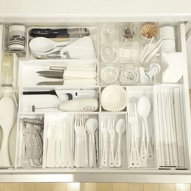Monochromatic cutlery