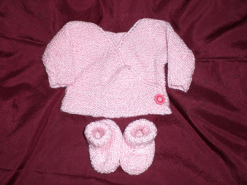 Preemie Baby Knitting Patterns : Pink Preemie Kimono and Booties by ksknitwit, via Flickr. see more free patte...
