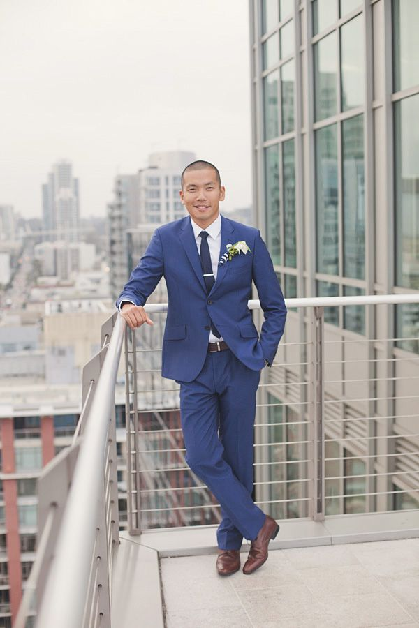 We love how dapper the groom looks in his electric blue suit from Paul Smith | The Wedding Chicks