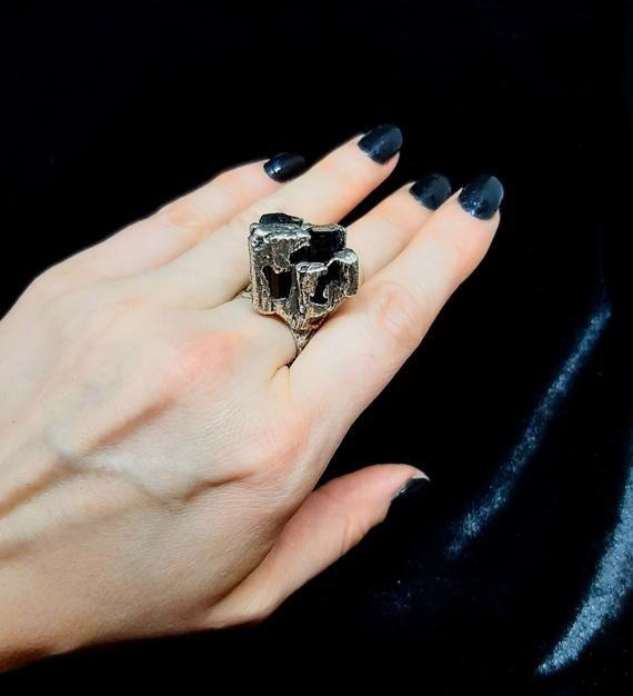 Black Tourmaline Ring Raw Black Tourmaline Raw Crystal Ring Black Silver Ring Oxidized Textured Black Tourmaline Ring Tourmaline Ring Black Tourmaline