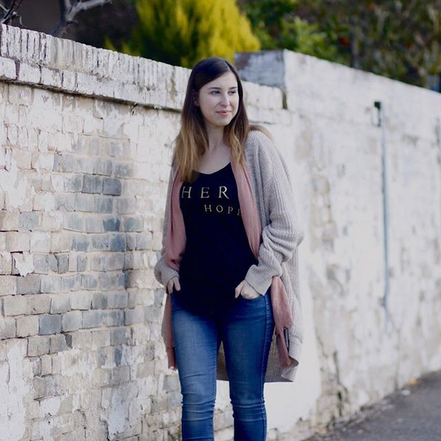 • LIMITED STOCK • Our There is Hope tee is nearly sold out! Every top purchased goes towards empowering women in Uganda through business to rise above poverty. To help bring hope and empowerment into a woman's life, make sure you purchase a tee before our stock runs out at www.projectoutward.com : @aimee.powell #projectoutward #uganda #women #villages #ethical #fashion #womensempowerment #hope #tee #product