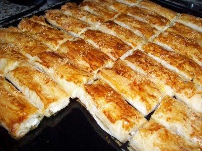✿ ❤ ♨ Baklava Yufkasıyla Peynirli Börek Tarifi (çıtır çıtır bir börek)