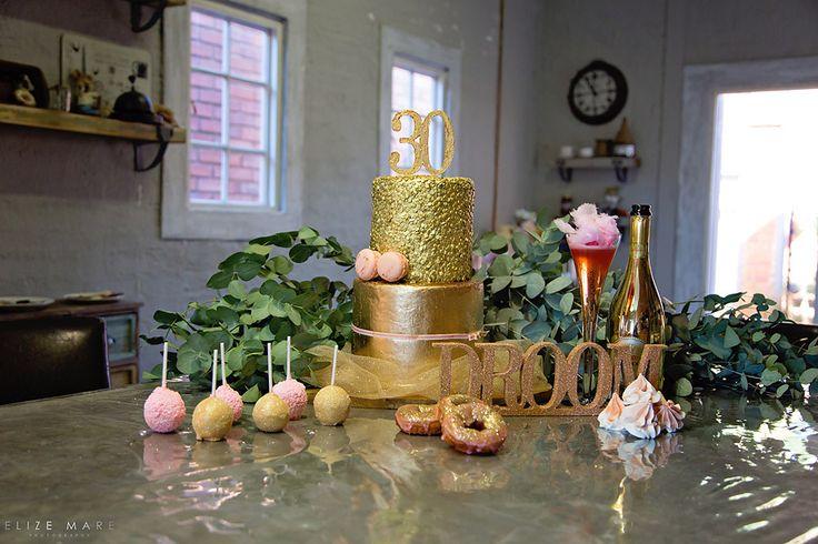 Le Petit Glitter 30th Cake-Elize Mare Photography 30th Glitter Birthday
