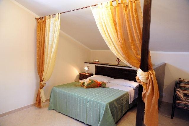 "Apartment ""Mansarda"" with Terrace (4 / 6 people)  GRESO CASE VACANZA"