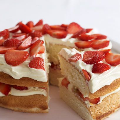 Wimbledon Cake Recipe By Mary Berry Wimbledon Strawberry Cake Recipe From The Queen Of Baking Serves Find More Great Cake Desserts Recipes At Kitchen