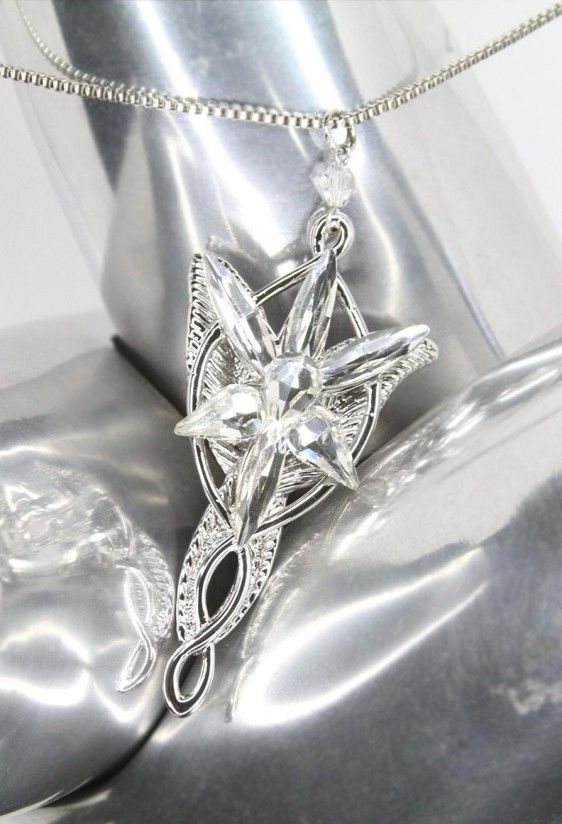 Arwen Evenstar Pendant inspired by Lord of the Rings | Vamers Store