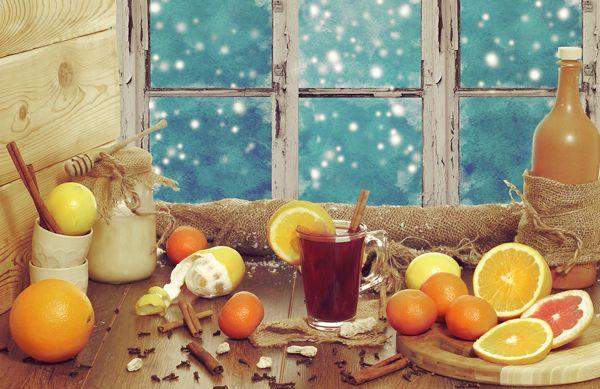 L'inverno è la stagione del Natale, della magia delle notti di festa, della neve e delle coccole sotto il piumone ma anche degli acciacchi, ecco come sopravvivere!