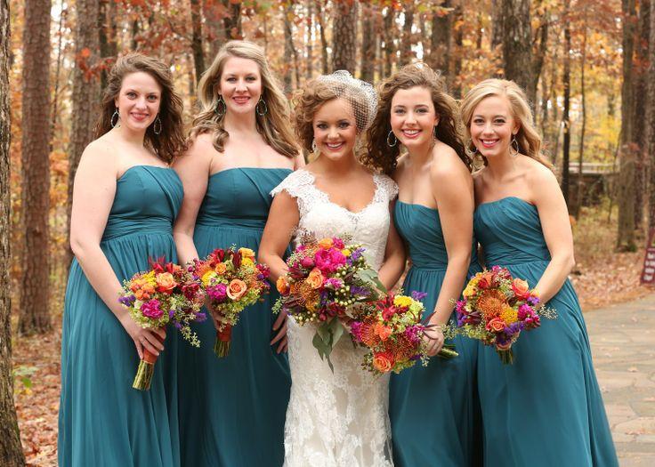 Beautiful bright fall wedding at Garvan Gardens