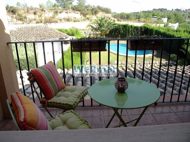 WEBSTA @ wellmar_luxury_real_estate - Estupendo pareado en alquiler en la urbanización de el Bosque, con vigilancia 24 horas y piscina.Contacta con nosotros: 674611483#Wellmar #alquiler #Valencia #chalet #apartamento #luxury #lujo #realestate #inmueble